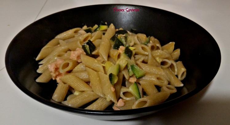 piatto-penne-zucchine-e-salmone